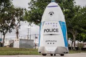 robot policía Hp Robocop k5 de Knightscope patrulla las calles y y da seguridad en el parque