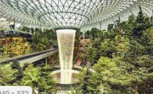 imagen del robot Peter para seguridad y vigilancia de los aeropuertos de Singapur en Asia y China