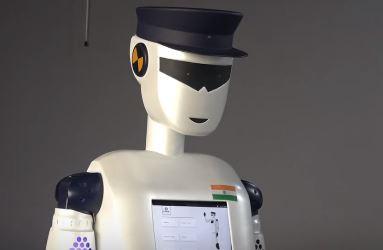robocop es el primer robot pilicía inteligente del mundo que fue creado en la India
