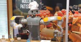 HoLLiE, el robot pastelero decorador de galletas